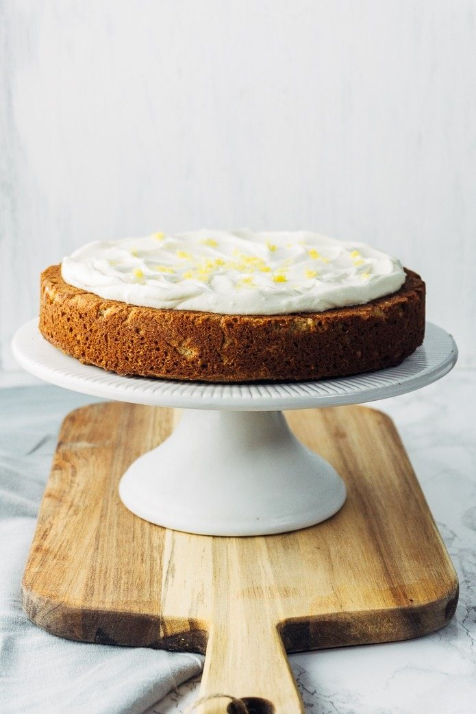 Low carb gingerbread cake with cream cheese frosting